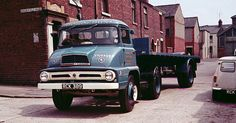 Ford Thames Trader. Mini Trucks, Old Trucks, Classic Trucks, Classic Cars, Old Lorries, Old Commercials, Train Car, Commercial Vehicle, Vintage Trucks