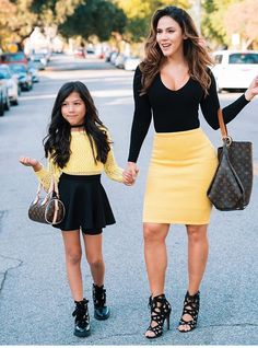 Mom and daughter matching outfits are quite the trend these days. Twin Outfits, Mommy And Me Outfits, Family Outfits, Kids Outfits, Little Girl Fashion, Toddler Fashion, Kids Fashion, Mother Daughter Fashion, Mother Daughters