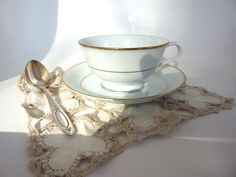5 Noritake White Cup Saucer Sets with Gold by BonniesVintageAttic, $50.00