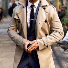 INSPIRATION STYLE #GENTLEMAN & #TRENCH #Suit #PullOver   #Tie ====================================================#Dandy #gentlemanstyle #gentlemen #menwear #menstyle #menfashion #malefashion #fashionblogger #blogger #modahombre #Bespoke #Tailoring #Sartoria #Tailored #StreetFashion #StreetStyle #MenWithClass #SavileRow #FashionAddict #Preppy #Elegant #Sprezzatura #Gabardina ...repinned vom GentlemanClub viele tolle Pins rund um das Thema Menswear- schauen Sie auch mal im Blog vorbei w...