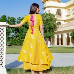 Trendy dress indian style anarkali beautiful 37 ideas Source by indian Neck Designs For Suits, Dress Neck Designs, Blouse Designs, Trendy Dresses, Simple Dresses, Nice Dresses, Indian Gowns Dresses, Indian Designer Suits, Kurti Designs Party Wear