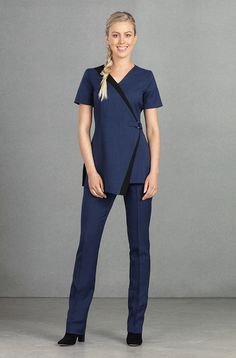 The Alba Tunic is the perfect modern beauty uniform. This flattering beauty tunic is available in four different colours. Free delivery on orders over Salon Uniform, Spa Uniform, Hotel Uniform, Scrubs Uniform, Beauty Tunics, Salon Wear, Beauty Uniforms, Scrubs Outfit, Medical Uniforms