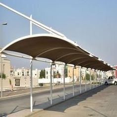 Car parking shades - We are amongst the best car park shades structures manufacturer and suppliers in Dubai and across in UAE. car park shades in Dubai. Awning Shade, Shade Tent, Pergola Shade, Diy Pergola, Pergola Kits, Shade Sails, Backyard Canopy, Outdoor Shade, Pergola Roof