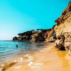 Zin in de vakantie van je leven? Samen met je vrienden feestjes bouwen, genieten van natuur & de gekste avonturen beleven. Met Summer Bash is alles mogelijk! En dit alles terwijl je veiligheid gegarandeerd wordt. Ben jij klaar voor de reis van je dromen? Wij alvast wel! Albufeira Portugal, Summer Bash, Outdoor, Everything, Outdoors, Outdoor Games, The Great Outdoors
