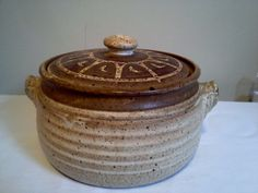 LARGE ART STUDIO POTTERY CASSEROLE DISH WITH LID, SIGNED