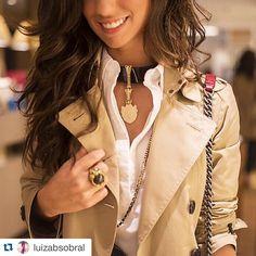 Repost da querida @luizabsobral durante o nosso Workshop de acessórios no evento One Shot do Shopping Rio Design Leblon #camilaklein #fashionjewelry #oneshot