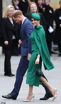Prince Harry and Meghan Markle arrive for last royal duty Prince Harry And Megan, Harry And Meghan, Air Hostess Dress, Principe Henry, Diana, Markle Prince Harry, Geri Halliwell, Prinz Harry, Meghan Markle Style
