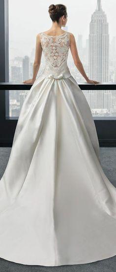 Two by Rosa Clara 2015 Bridal Collection - suknia ślubna ślub www. Beautiful Wedding Gowns, Dream Wedding Dresses, Bridal Dresses, Beautiful Dresses, Gorgeous Dress, Dresses Elegant, Pnina Tornai, Princess Ball Gowns, Sophisticated Bride