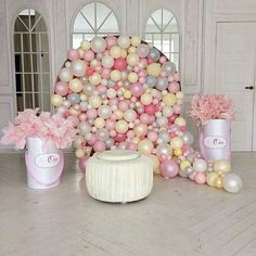 Easy Baby Shower Decorations on a Budget - How to Make a Balloon Wall Balloon Backdrop, Baby Shower Backdrop, Balloon Wall, Balloon Garland, Balloon Decorations, Birthday Decorations, Baby Shower Decorations, Balloon Columns, Shower Party