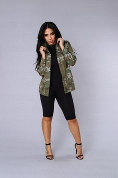 - Camo Jacket - Long Sleeve - Faux Zipper Pockets - 2 Cargo Pockets - Clip Closure - 100% Cotton
