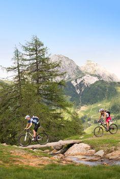 Erkundung der traumhaften Bergwelt rund um den ROBINSON Club Schlanitzen Alm mit dem Mountainbike