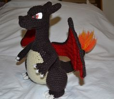 Hi, my dear friends!( ◕‿◕)ノ Finally, I'm posting my Charizard pattern, haha. I'm sorry for the very long delay! I was very busy this months and crocheting wasn't my priority (…
