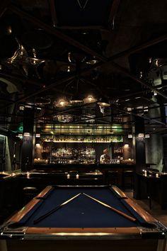 Salles de jeux sports fléchettes poker salle de billard pub bar signe signe