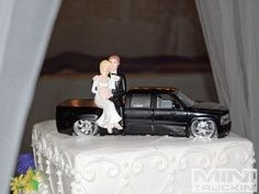 rally car wedding cake topper racing fannas car auto mechanic mac 76 tool box wedding 18964