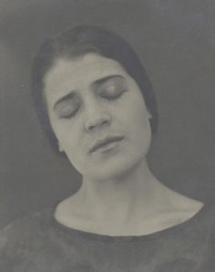 Edward Weston, Tina recitando, 1924-10-03 Colección Center for Creative Photography, The University of Arizona