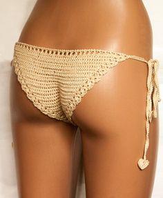 Au crochet thong. Vêtements de femmes sexy. Crochet de mémoires. 100 % fait main. Lingerie ajourée pour confiante et sexy. Accessoires dété pour