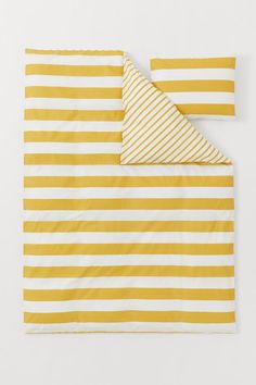 Striped Duvet Cover Set - Yellow/white - Home All   H&M US 2 Single Duvet Cover, Duvet Cover Sets, Gift Card Shop, Lit Simple, H&m Home, Bed Styling, White Houses, Comforter Sets, Decorative Pillows