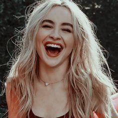 the best smile 😍😍😍😍 Sabrina Carpenter Smile, Girl Meets World, Queen, Aesthetic Girl, Celebs, Celebrities, Pretty People, Girl Photos, Selena Gomez