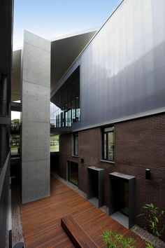 Think Brick Awards 2012 - Horbury Hunt Commercial Finalist - The Mabel Fidler Building by BVN Architecture