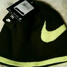 Nike reversible hat New kids hat or small head. Nike Accessories Hats
