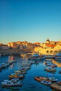 Dobro jutro Dubrovnik! Good morning Dubrovnik! source @CroatiaWave