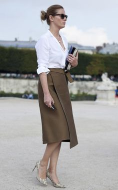 6 Tips to add a touch of class to the look - Fashion Trends Classy Work Outfits, Office Outfits, Office Attire, Mode Pro, Look Street Style, Work Chic, Office Looks, Work Looks, Office Fashion