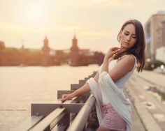 "dia_last: ""Du hast mich wieder  #berlin #meineliebe #homesweethome #bigcitylife #theplacetobe #theoneandonly #oberbaumbrücke #spree #skyline #sunset #photography #model #shooting #picoftheday #brunette #model #beauty #weekend #flavour #l4like #lforlike #lflike #lforl #lfl #l4l #like4like #likeflike #likeforlike"""