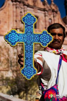 Arte Huichol -  Zacatecas. Mexico... Beautiful beaded cross with peyote flowers. Www.casitassayulita.com