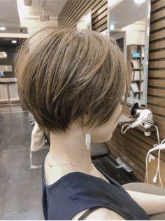 Short Hair Syles, Asian Short Hair, Short Bob Haircuts, Asian Bob Haircut, Short Haircut, Hair And Beauty Salon, Short Hair Cuts For Women, Hair Today, Hair Dos