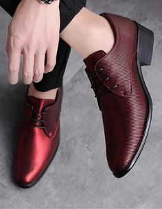 stripe pattern leather derby dress shoe 1746 Men's leather derby with stripe pattern design.Men's leather derby with stripe pattern design. Best Shoes For Men, Formal Shoes For Men, Shoes Men, Leather Dress Shoes, Lace Up Shoes, Men's Dress Shoes, Leather Dresses, Dress Clothes, Blue Shoes