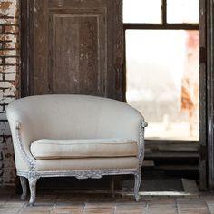 Aidan Gray Furniture Riva Loveseat @LaylaGrayce