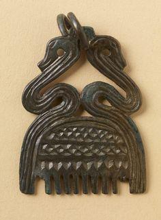 Viking age / Finnish / Bronze comb pendant