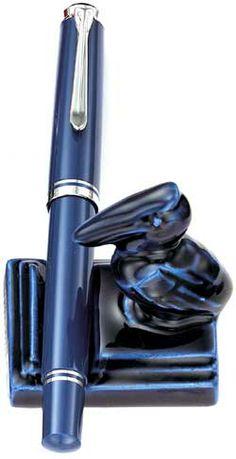 Pelikan M605 pen with Pelikan bird #Pelikan #FountainPens