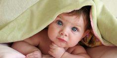 Le rhume chez un bébé est souvent accompagné par un sommeil perturbé avec un nez qui coule, de la fièvre et un malaise général. C'est un calvaire pour vous