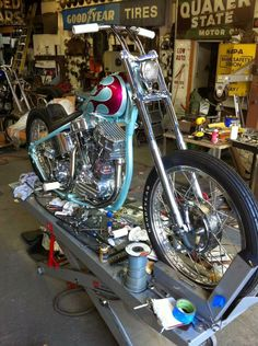 Cool single down tube Pan Harley Panhead, Harley Davidson Panhead, Classic Harley Davidson, Custom Bobber, Custom Choppers, Bobber Bikes, Cool Motorcycles, Custom Street Bikes, Custom Bikes
