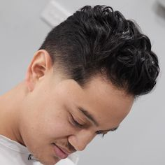 The Curly Undercut is one of the best hairstyles for men with naturally wavy.Curls and Stubble,Angular Fringe Curly Undercut,Curly Slick Combover Skin Fade With Beard, Undercut With Beard, Curly Undercut, Short Hair With Beard, Undercut Hairstyles, Mens Modern Hairstyles, Stylish Haircuts, Summer Hairstyles, Fade Haircut Styles