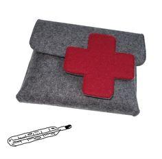 Der Notarztkoffer für unterwegs! Passt in jeder Handtasche und beherbergt Pflaster, Pillen & Co