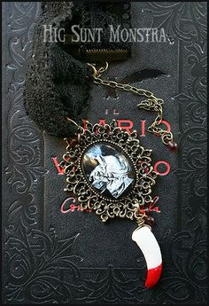 FANG  Gothic Horror Choker with Black Lace Large by hicsuntmonstra, €15.00