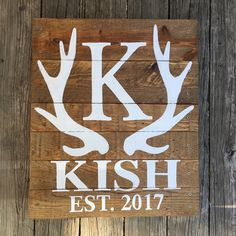 Hunting Home Decor, Big Letters, Last Name Signs, Dark Stains, Pallet Signs, Rustic Signs, Wedding Decoration, Make And Sell, Wood Pallets