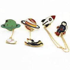 Spacey Pin Set