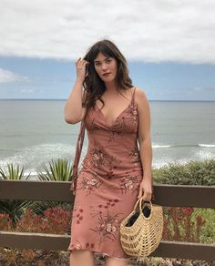 Looks Ali Tate Cutler, la nueva modelo plus size de Victoria's Secret , informations and more on Celebrity. Modelos Plus Size, Curvy Girl Outfits, Plus Size Outfits, Plus Size Clothing, Curvy Fashion, Plus Size Fashion, Estilo Hippie, Fashion Outfits, Fashion Tips