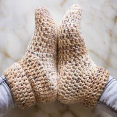 Quick Crochet Slippers - free pattern at My Accessory Box. Easy Crochet Slippers, Crochet Slipper Boots, Crochet Slipper Pattern, Slipper Socks, Quick Crochet, Free Crochet, Knit Crochet, Double Crochet, Craft Ideas