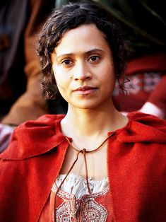 Angel Coulby (Gwen)