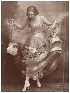 54 Trendy Ideas For Vintage Fashion Women Edwardian Era Images Vintage, Photo Vintage, Vintage Love, Vintage Pictures, Old Pictures, Old Photos, Vintage Ladies, Retro Vintage, Vintage Postcards