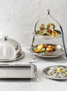 Our caterer-style Hot/Cold Stainless Steel Serving Trays contain a thermosensitive core that keeps appetizers hot or cold for approximately 2 hours. Simply place them in the refrigerator or a low-temperature oven prior to use and then return to your party. Perfect for everything from baked appetizers to cool and refreshing crudite.