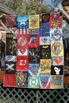 Superhero T-shirt quilt made from son's shirts from toddlerhood to age 13 (for Aydin) Batman Quilt, Superhero Quilt, Crafty Craft, Crafty Projects, Sewing Projects, Make Your Own Blanket, Boy Quilts, Shirt Quilts, Sewing Crafts