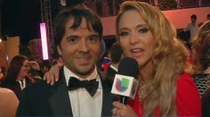 Luis Fonsi by himself in Premio Lo Nuestro pin it