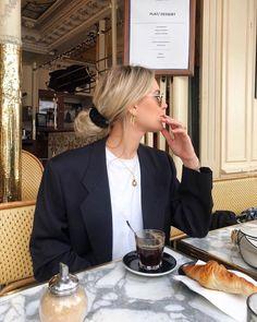 Parisian Vogue Fashion Everybody Ought to Know – Fazhion.Website - Parisian Vogue Fashion Everybody Ought to Know – Fazhion.Website Best Picture For high fashi - Vogue Fashion, Look Fashion, Fashion Outfits, Fashion Quiz, Womens Fashion, Classy Fashion, Fashion Fall, Curvy Fashion, Fashion Clothes