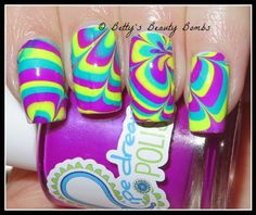 http://www.bettysbeautybombs.com/2015/04/08/the-rumors-are-true-pipe-dream-polish-watermarble/ / Pipe Dream Polish Watermarble