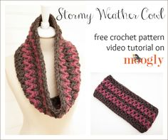 The Stormy Weather Cowl works up super fast with Lion Brand Wool-Ease Thick & Quick - here's the Stormy Weather Cowl Tutorial! Crochet Scarves, Crochet Shawl, Crochet Clothes, Crochet Stitches, Free Crochet, Knit Crochet, Easy Crochet Patterns, Crochet Designs, Tutorial Crochet